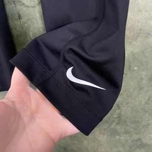 Nike Pants & Jumpsuits - Nike Spandex Black Capri Workout Leggings